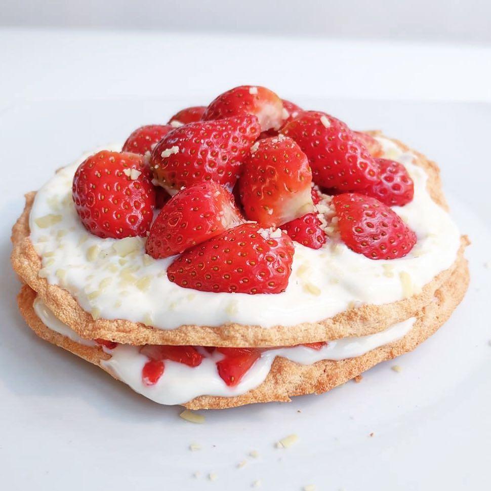jordgubbsmarängtårta2